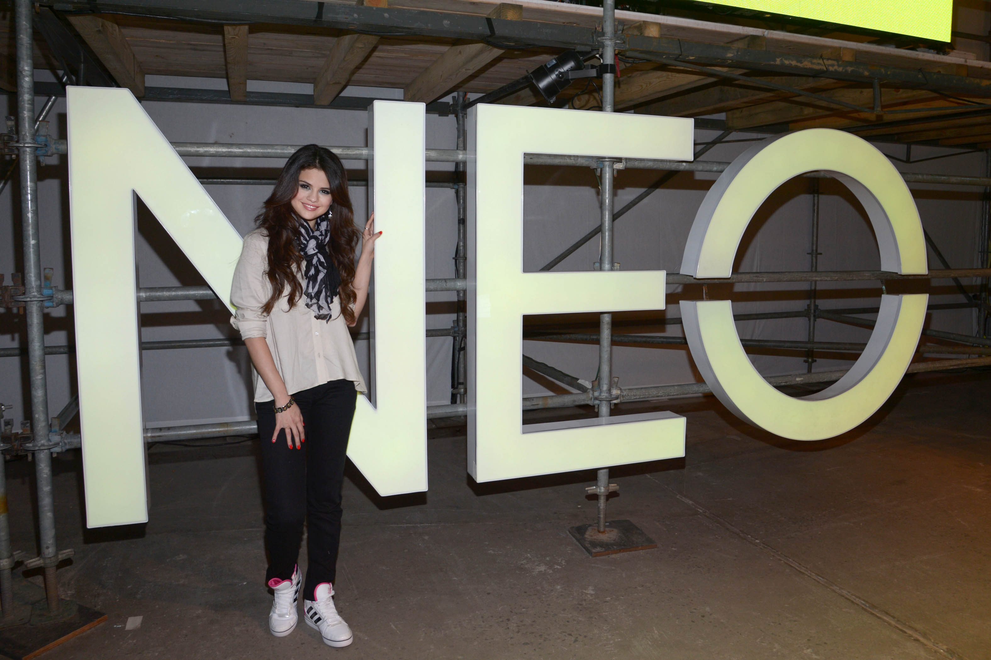Selena Gomez, global style icon for adidas NEO Label, in teen curated fashion show